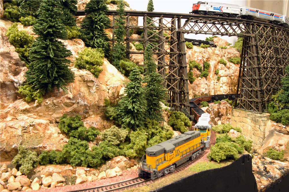 New images on Z-scale (1:220) Silver Creek Zmod Layout